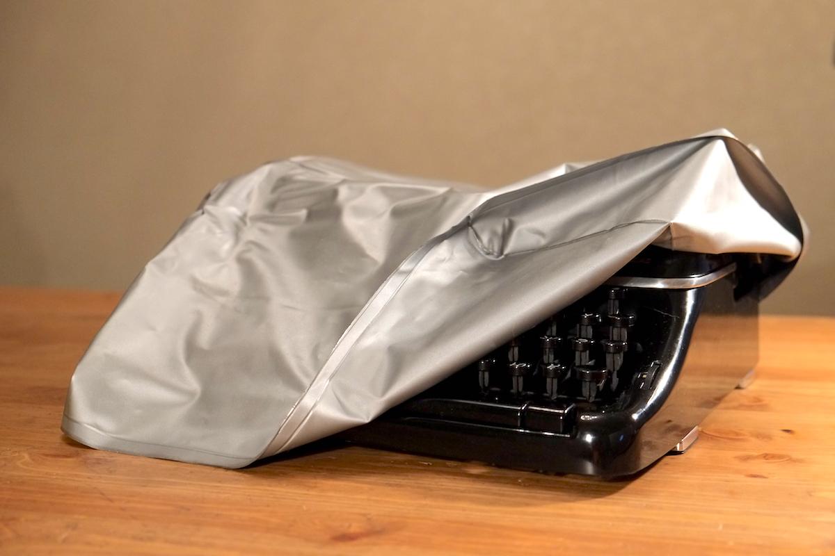 Пишущая (печатная) машинка, чехол от пыли