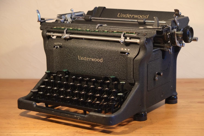 мне фото старые печатные машинки очень