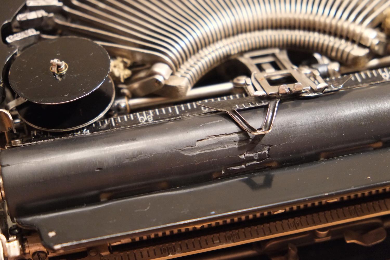 Обрезинивание бумагоопорного вала и прижимных роликов термоусадочной трубкой
