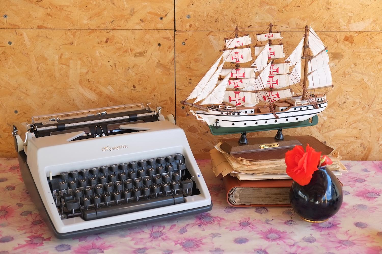 Пишущая печатная машинка Olympia SM9