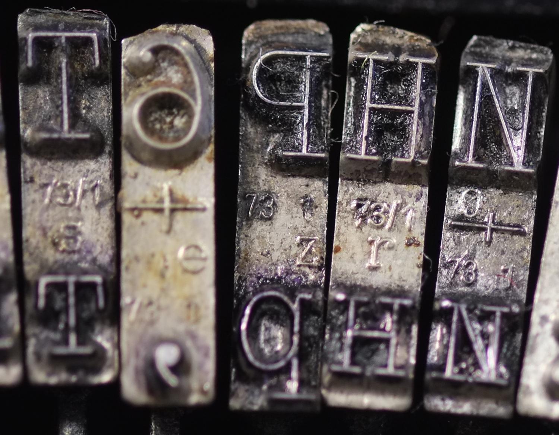 Как почистить шрифт пишущей машинки
